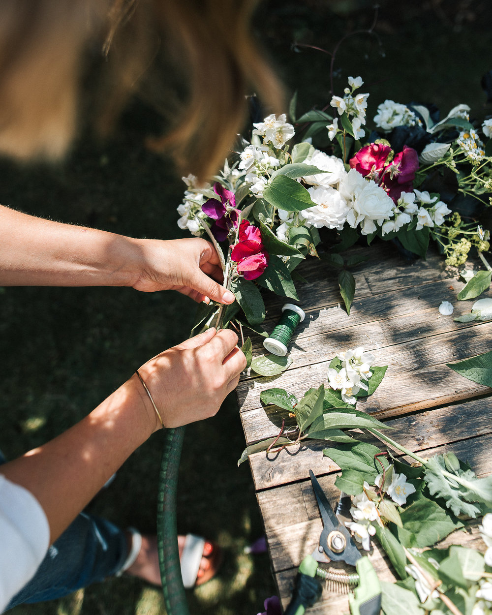 DIY project - Floral wreath using a hula hoop