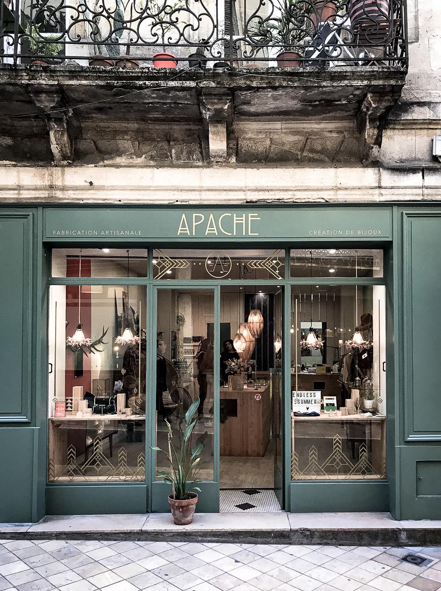 Apache, Bordeaux