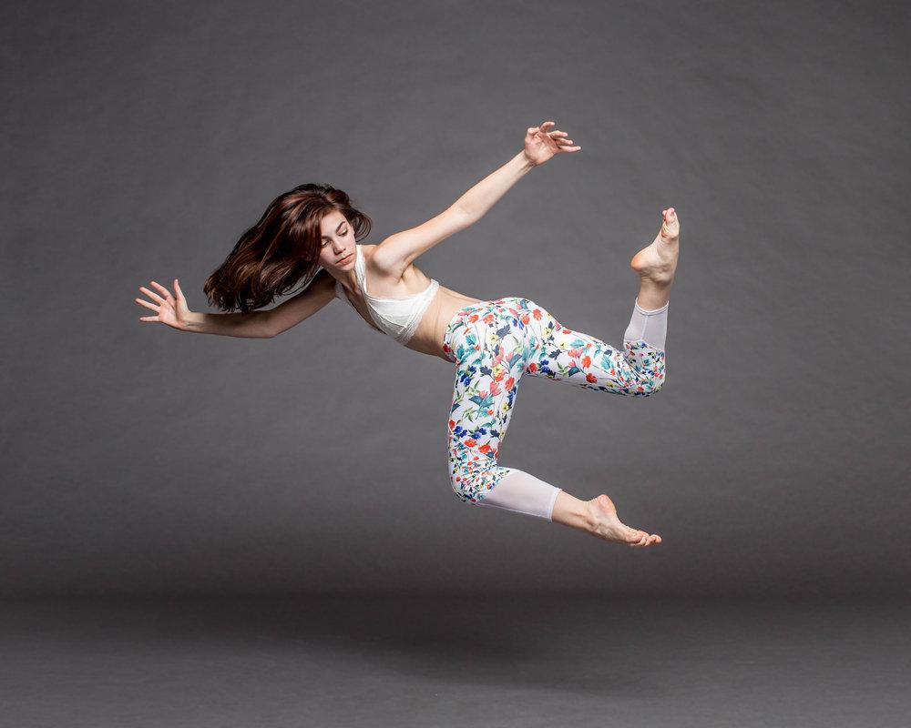 Eyllah Babbitt flying.jpg