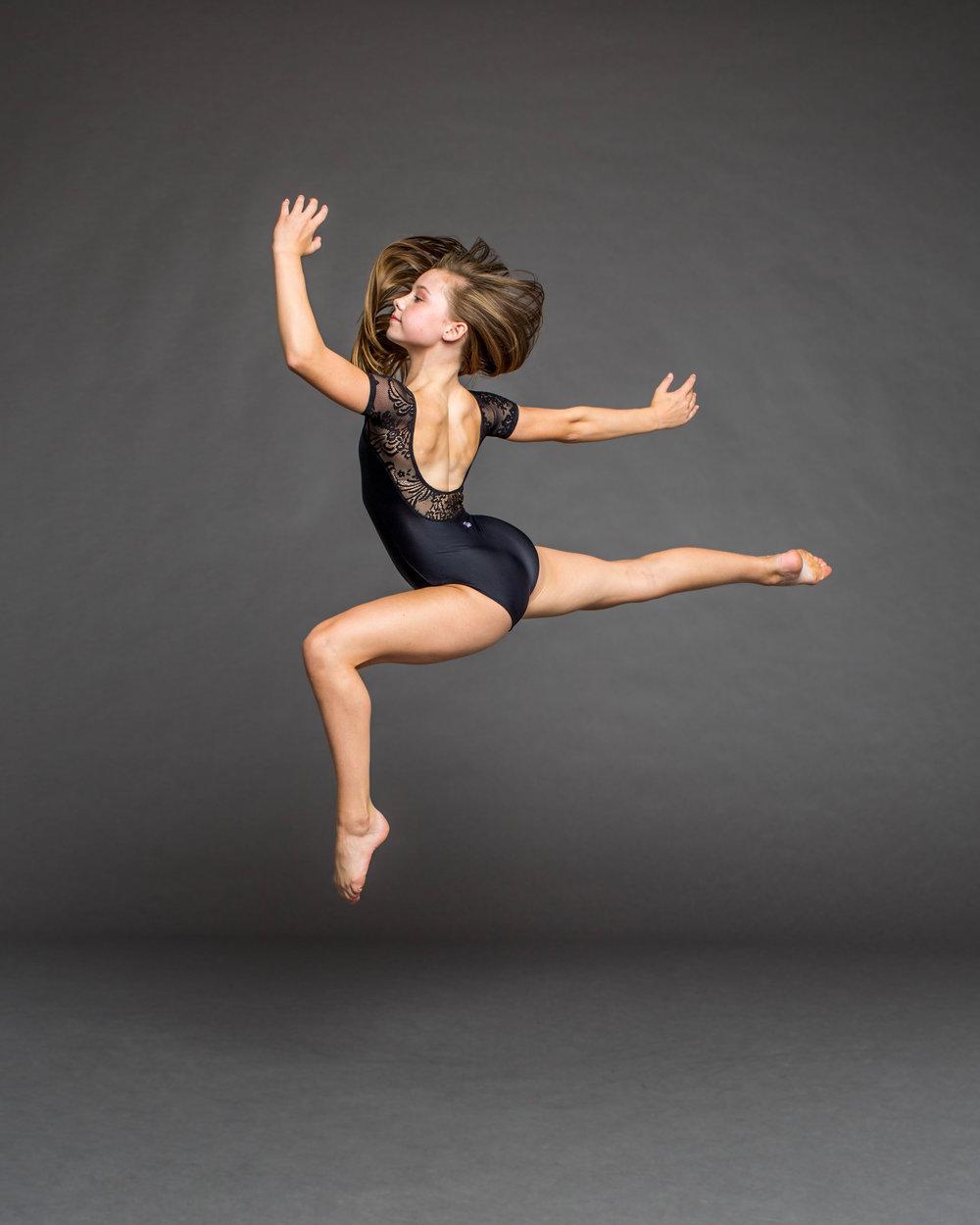Alyx Kuhlman jump.jpg