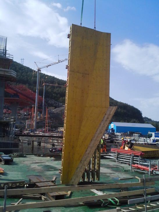 Montasje av forskaling første støpeetappe tårn Karistrand
