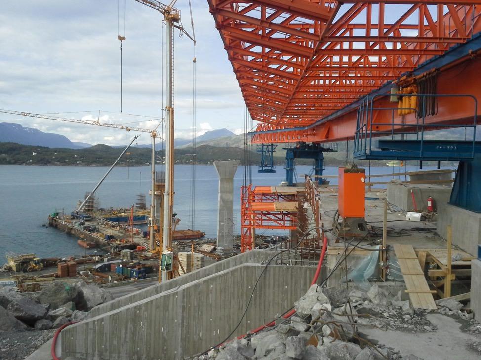 Da er vi i gang med bygging av forskaling til brutårn nedre del.