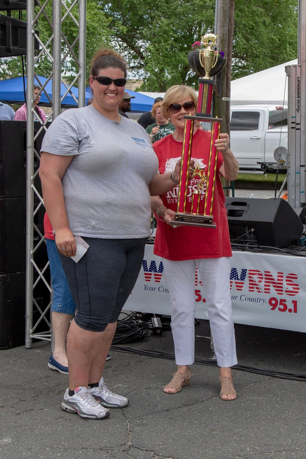 2nd Place Team Brittany Heath, B&W BBQ Sponsor: Tommy Creech/Creech painting $200 and Trophy