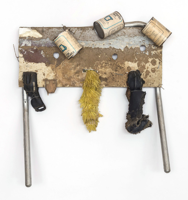 "Hawkins Bolden, ""Untitled (Scarecrow)"" (circa 1980s), mixed media, 25 x 24 x 8 inches (photo by Cary Whittier, courtesy of Shrine) (click to enlarge)"