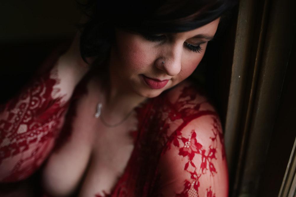 maternity boudoir  (11 of 20).jpg