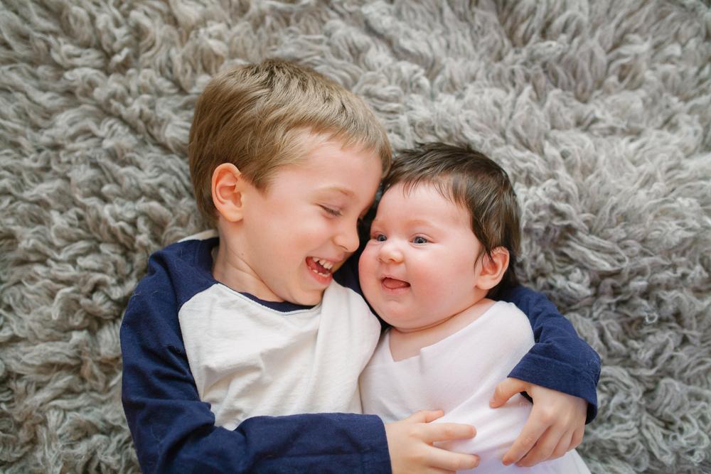 newborn-with-sibling-photos-reno-lake-tahoe-newborn-photographer-03.jpg