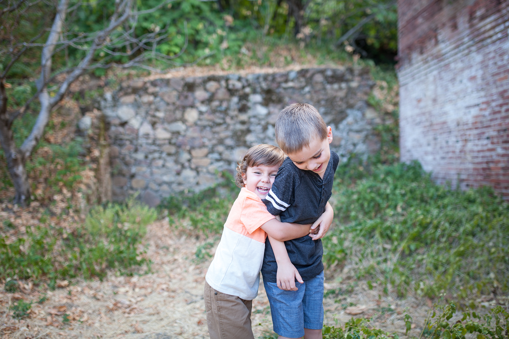 redding-family-photos-reno-lake-tahoe-family-photographer-14.jpg