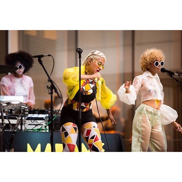 One week ago @themuseumofmodernart presented Summer Thursday's featuring MADAME GANDHI. I had the pleasure of body painting everyone for this incredible  show 🎨 ------------------------------------------@madamegandhi 🎶 @thequincat @imgizzle @turrelljames @sarahfarinabln 📸 @annewhitmanphotography 👘 @slashedbytia