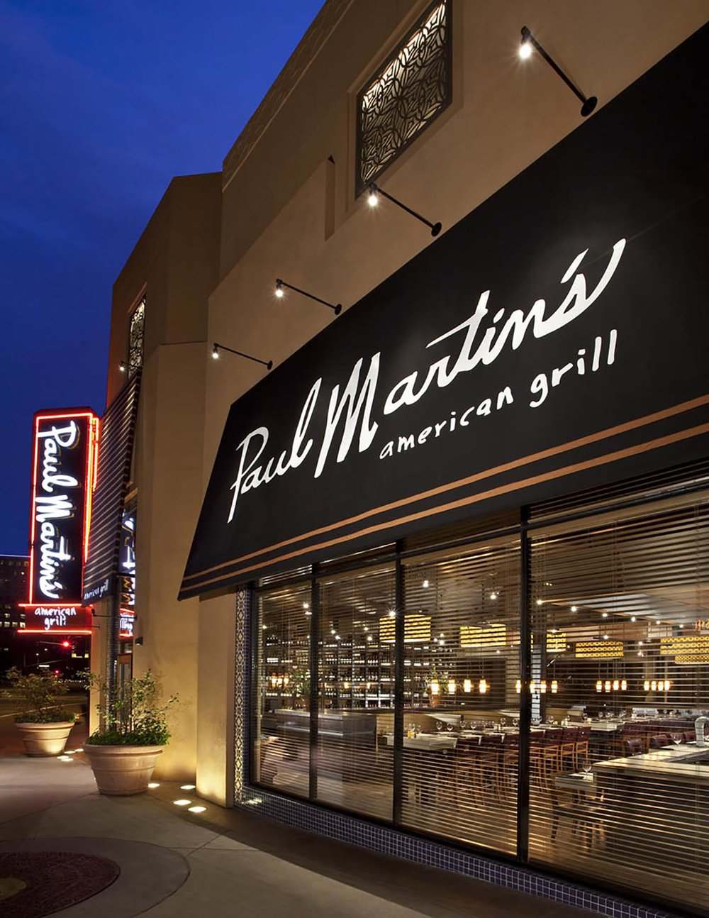 Paul-Martins-American-Grill-Irvine-1.jpg