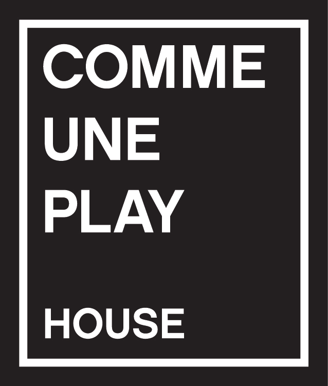 COMME UNE PLAY
