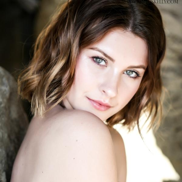 Natural Bridal Makeup for Blue Eyes by Wedding Makeup Artist Glory Munoz