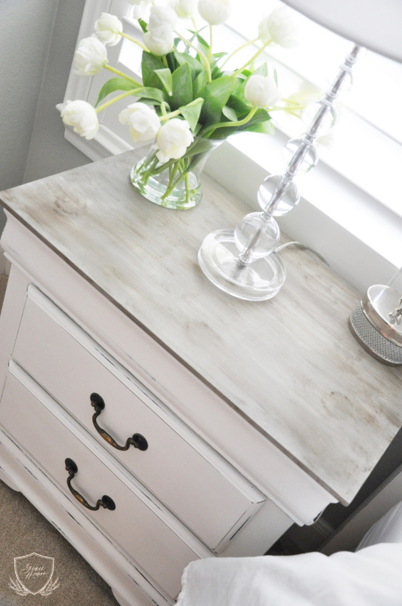 Nightstand chalk paint tutorial the grace house for How to paint a wall with chalk paint