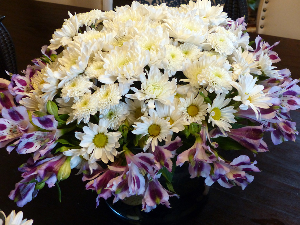 The finished main arrangement, a ball of white cheer