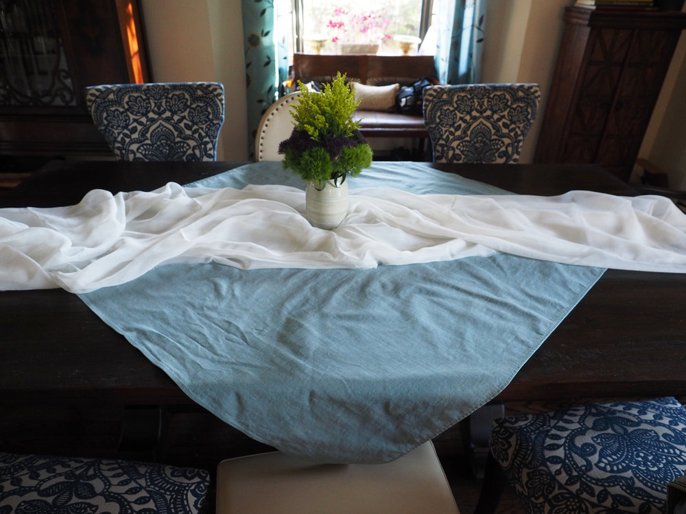 blue.white.cloth.drape2.jpg