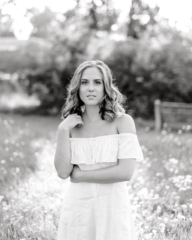 I don't post black and whites often cause color is just my jam but don't get me wrong, I LOVE a good b+w! Gracen has style for days and you don't want to miss her fabulous senior session. (It's over on the blog - just click the link in my bio!)