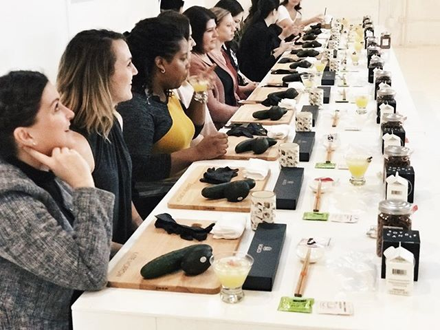 For this workshop, we served a pineapple sake cocktail...jalapeño infused. Mimosas + 🍣 just didn't sound right 😅 #sitwithyoursisters