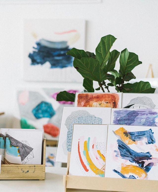 Workshop alert 🚨 this Saturday, you'll learn from @stephrenea.art - come create a framed, take-home piece using watercolor paint, brush pens. Lunch from @birdbakery, bottomless mimosas, gift bags and more. Sign up via link in bio!