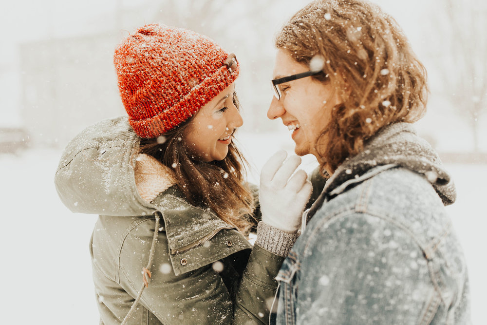 DJ and Erin Kansas City Snowfall Engagement 1.jpg
