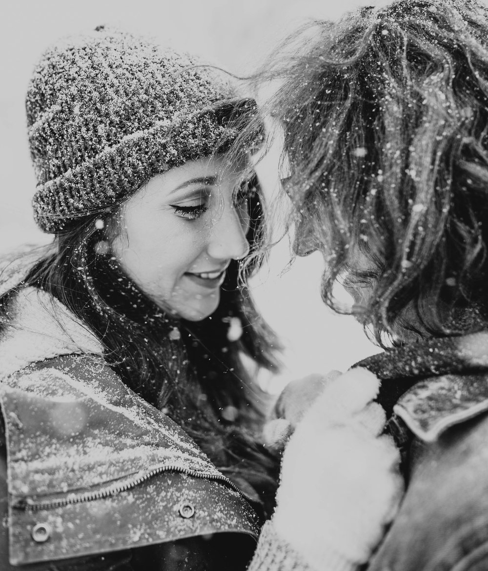 DJ and Erin Kansas City Snowfall Engagement 8.jpg