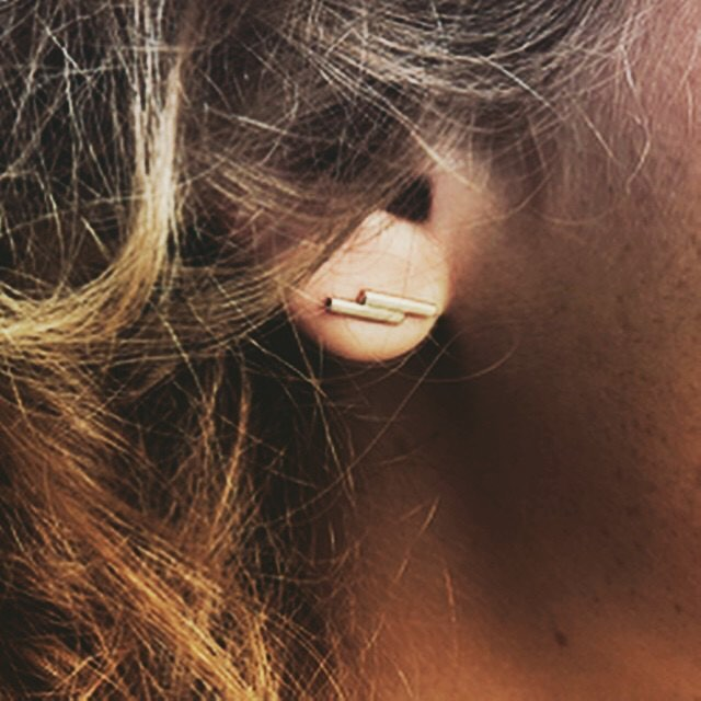 Our Double Bar Studs are just $2 while supplies last! Link in bio 👆🏻👆🏻👆🏻