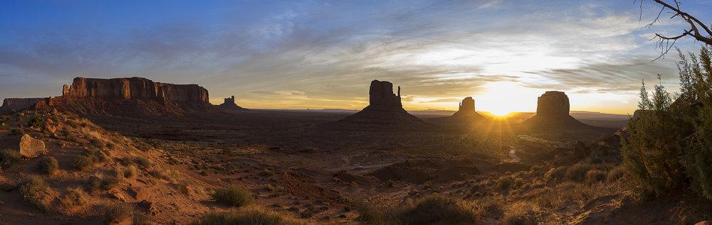 Mounument valley sunrise.jpg