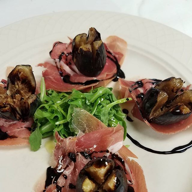 Black mission figs, prosciutto and balsamic glaze...#fresh and #light #comegetyousome #RVA #Italian #food