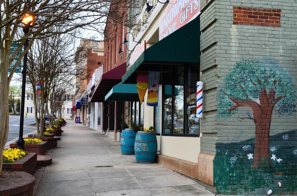 historic-downtown-belmont_25983474511_o.jpg