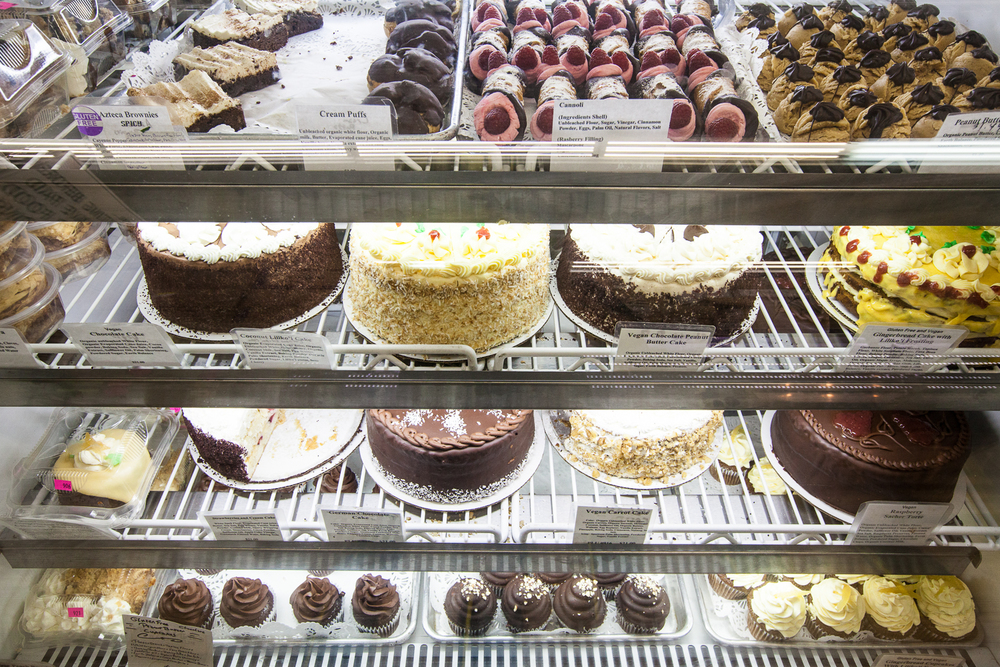 Mana-Foods-Bakery-fresh-baked-goods-display-case.jpg