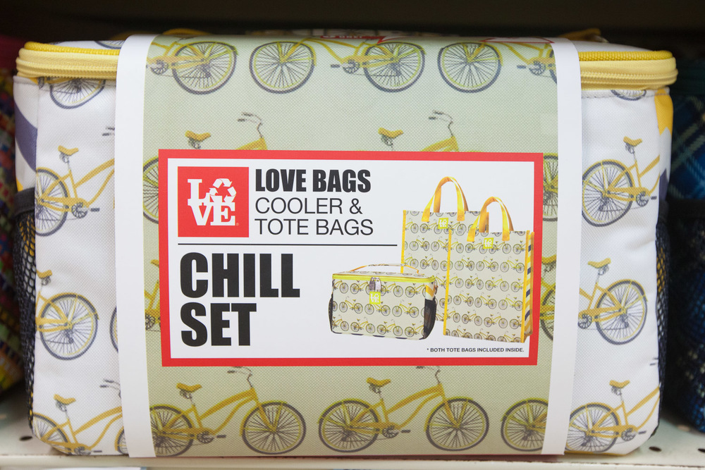 love-bags-cooler-bag-display-mana-foods.jpg