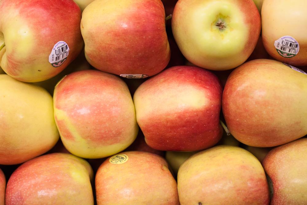 organic-apples-mana-foods-produc-maui.jpg