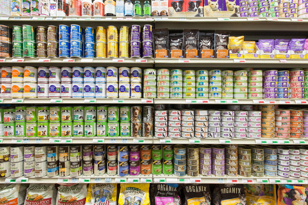dog-food-cat-food-mana-foods-grocery-paia-maui.jpg