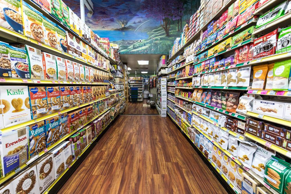 mana-foods-maui-grocery-store-aisle copy.jpg