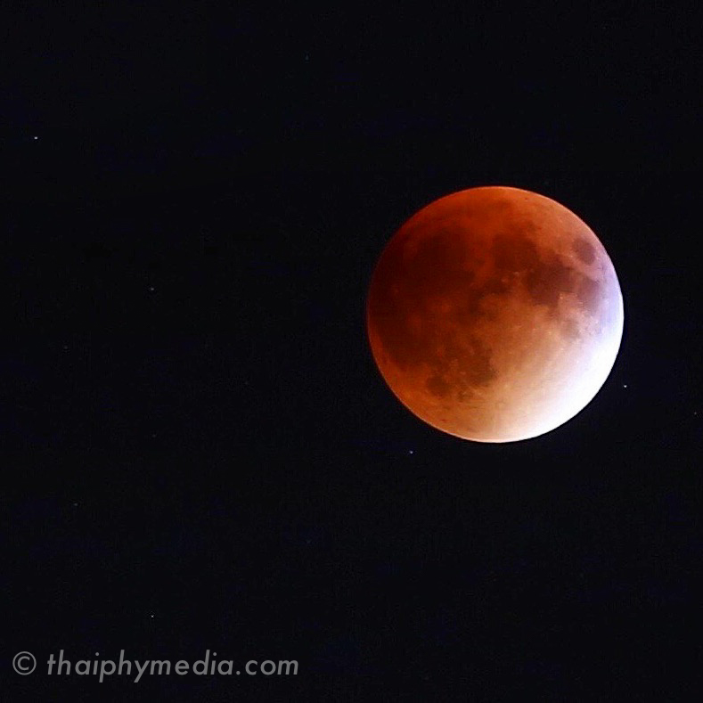 blood red moon- saint paul, mn september 27th, 2015