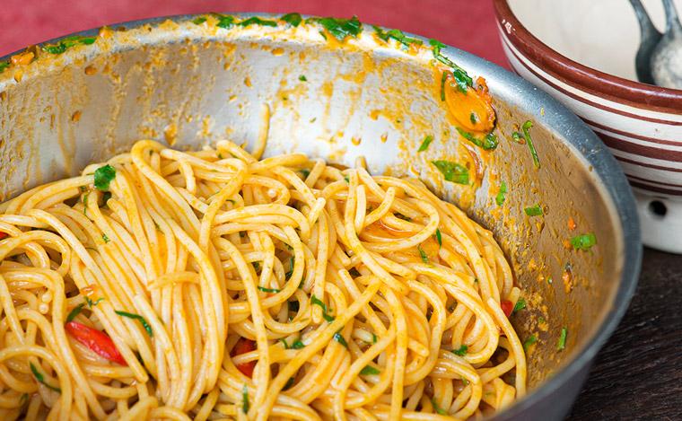 Late Night Aglio E Olio Bomba XXX Spaghetti