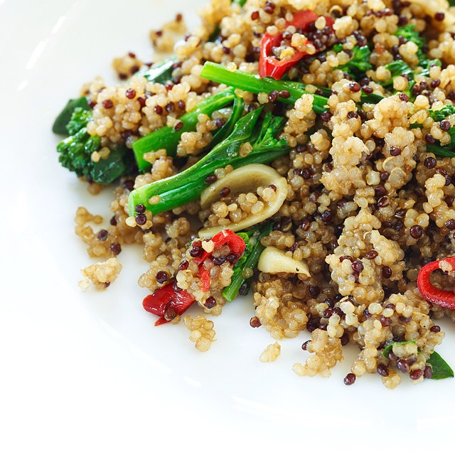 This week we're featuring 6 Minute Suppers - quick and delicious meals to rustle up in a flash! Starting with this Taste #5 Umami Vegetarian Far Eastern Quinoa. A perfect dish for your #meatlessmonday, packed with flavo{u}r and really the easiest dinner to throw together. Recipe on the blog.