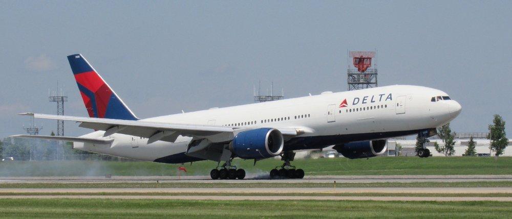 Delta-777200-landing-MSP.jpg