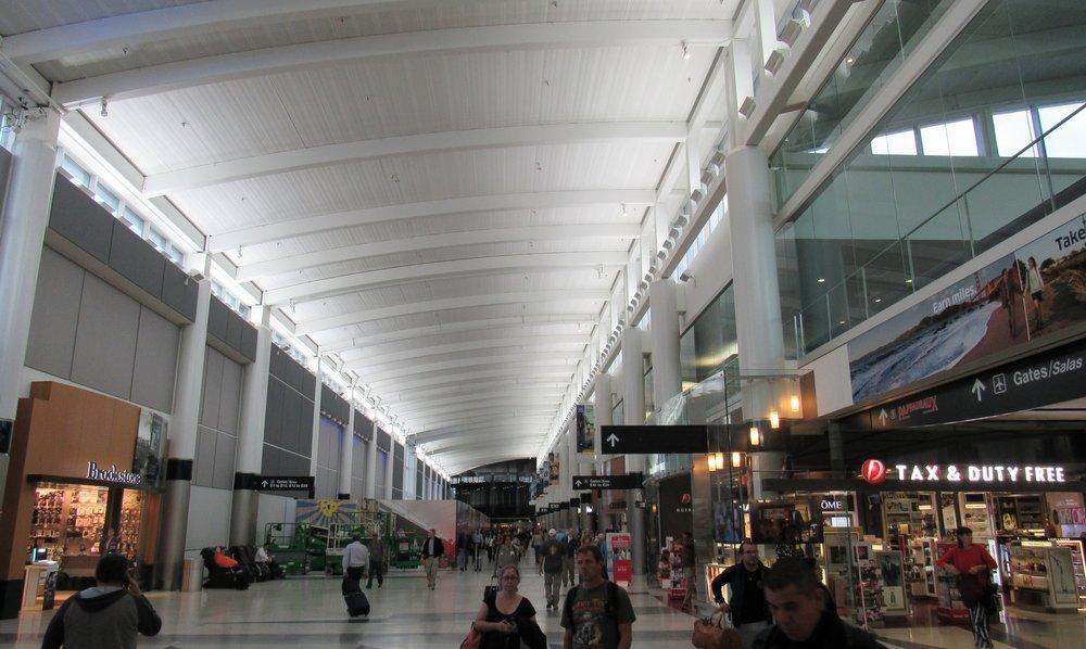 Corridor connecting the E-gate concourses