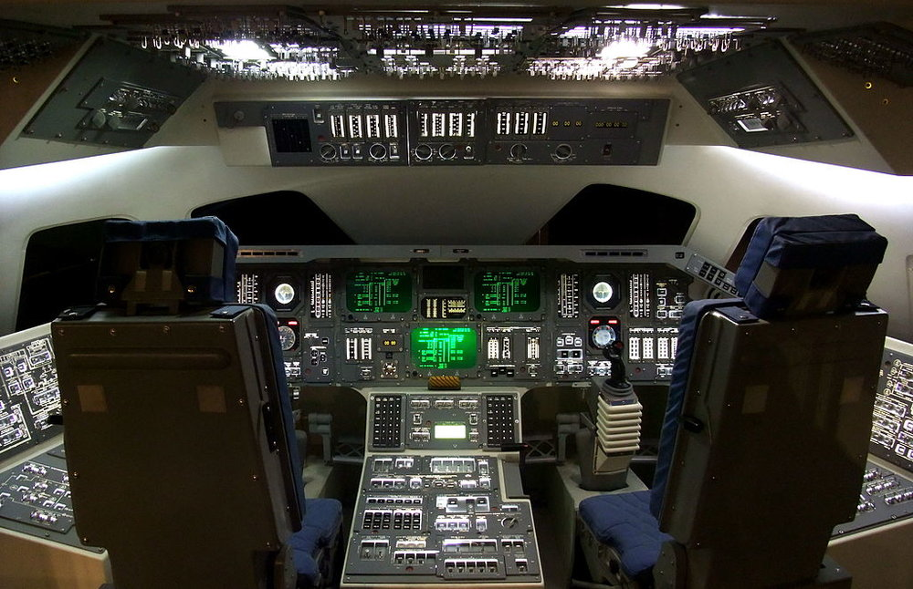 Space Shuttle cockpit reconstruction! Image by  Mk2010  via Wikimedia Commons, CC 3.0 license