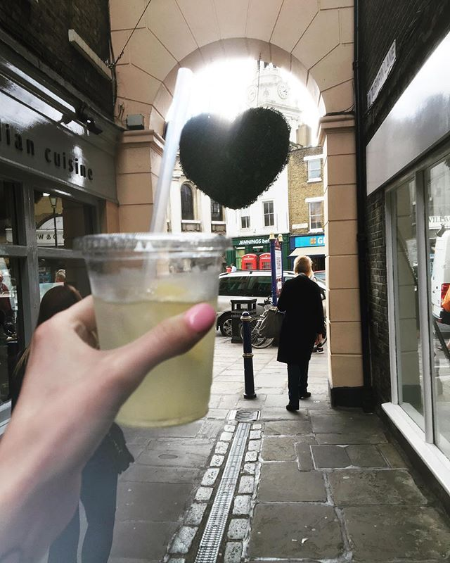 Kicked off day 1 in London with a Gin Lemonade + a walk in Greenwich Market.