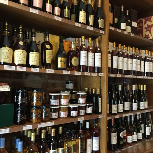 THE BEST RESTAURANT NEAR EIFFEL TOWER: Au Petit Sud-Ouest Wine, delicatessen