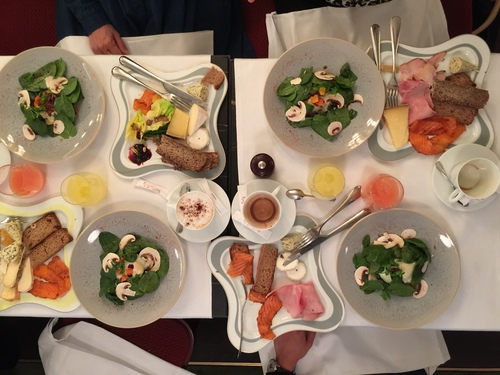 Best Brunch in Paris; Photo 27-03-16 13 52 07.jpg