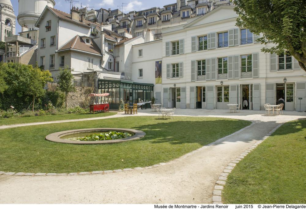 Musée de Montmartre / The Montmartre Museum - Jardins Renoir Juin 2005 © Jean-Pierre Delagarde