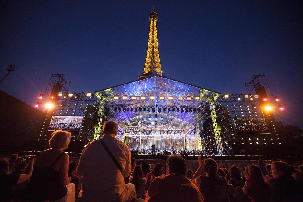 Paris tips Bastille day