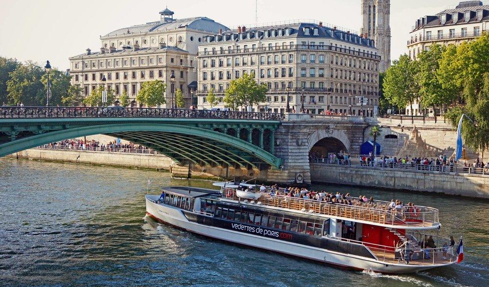 Photo credit:Vedettes de Paris