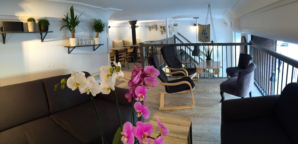 Hubsy Co-working Café - París (Foto por @ cdn.theculturetrip.com)