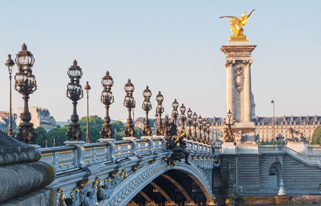 Bridges in Paris : PONT ALEXANDRE-III