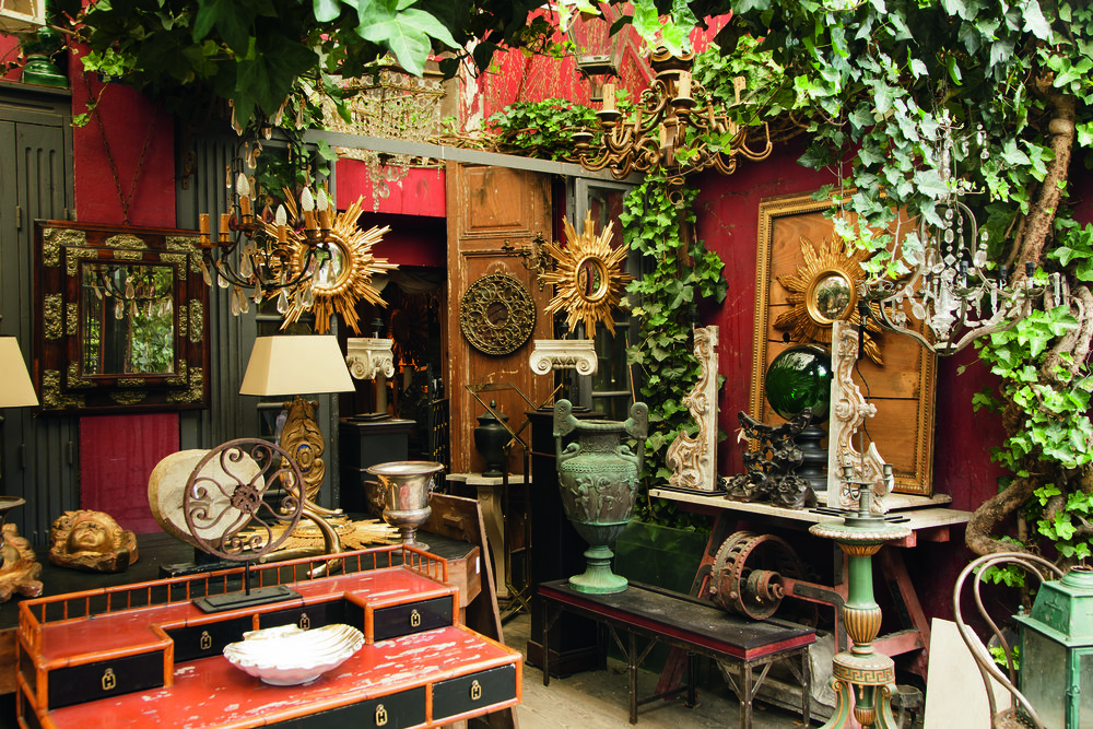 Best flea markets in Paris - Antiques at St Ouen flea market