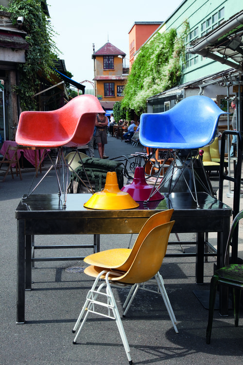 Best flea markets in Paris - old furniture