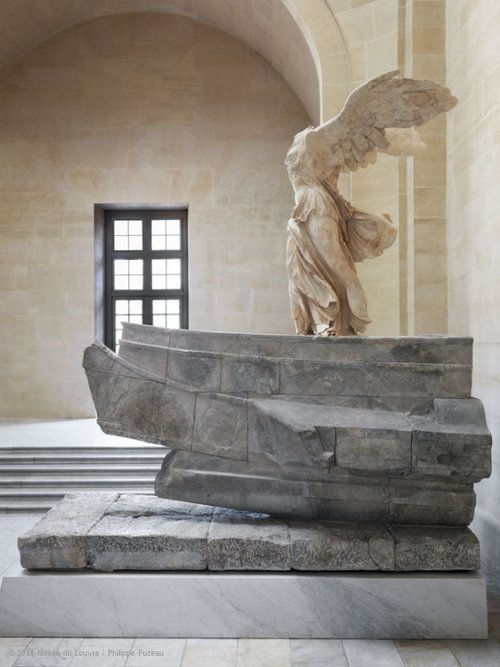 THE LOUVRE MUSEUM Samothrace