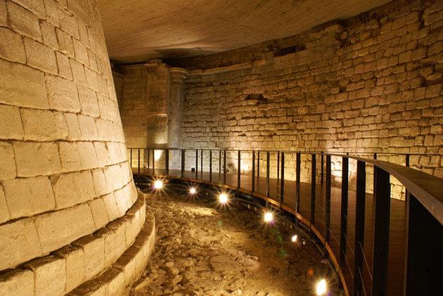 france-louvre-museum-medieval-louvre.jpg